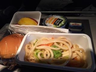 機内食(焼きうどん)
