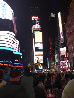 夜のタイムズスクエア