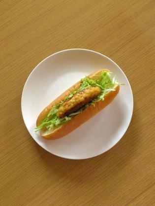 鶏胸肉とお豆腐のハンバーグドッグ1