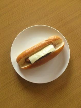 イシイのチキンハンバーグ(ドッグ)2