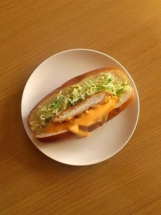 チーズチキンカツドッグ1