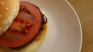 チーズバーガー(デミグラスソースのハンバーグ)3
