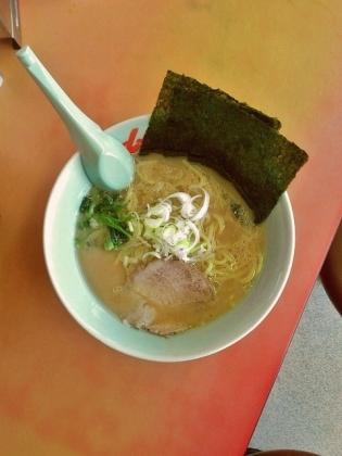 山岡家醤油(豚骨醤油)ラーメン630円2