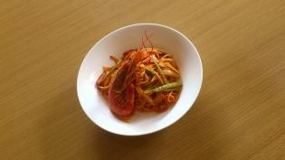 ナポリタン(海老、ベーコン、にんにく、玉葱、アスパラ)