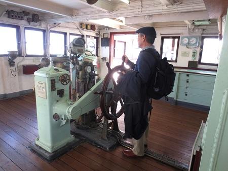 075氷川丸操舵室