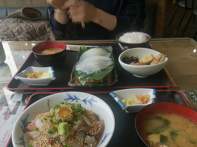 s-11:30昼食