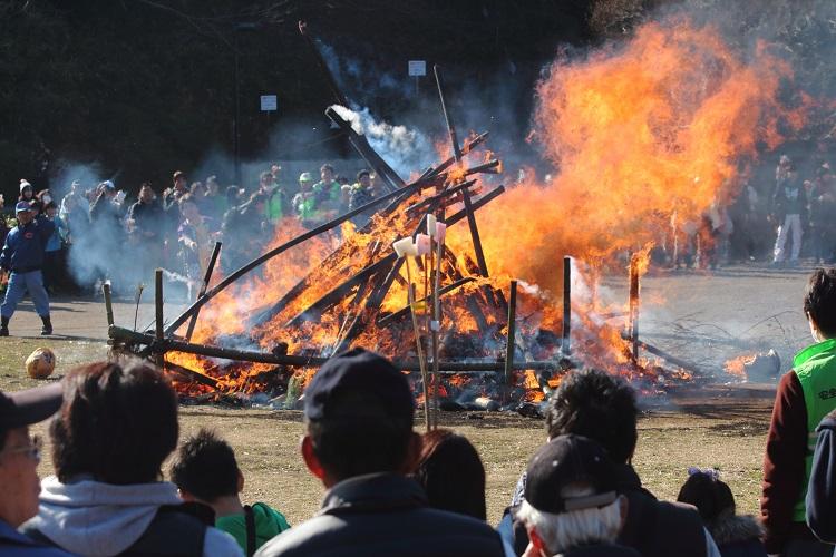 20160110山田富士公園どんど焼き16-1a