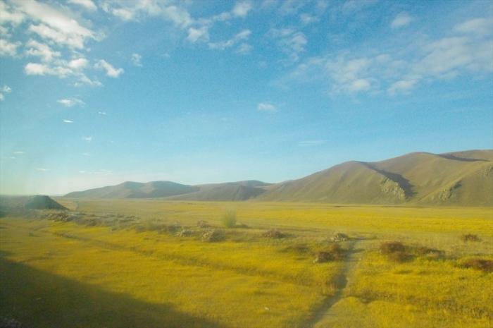 モンゴルの車窓からの景色 (3)