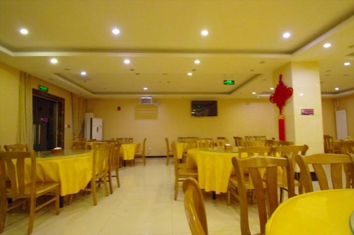 北京空港のホテルでディナー (2)