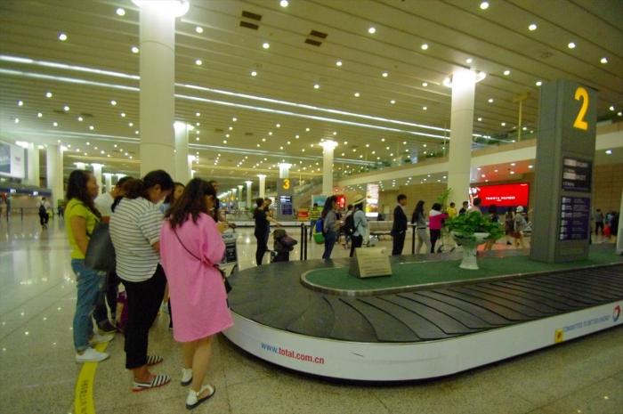 上海空港にて (2)