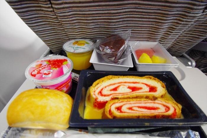 ロンドン行きの機内食 (1)