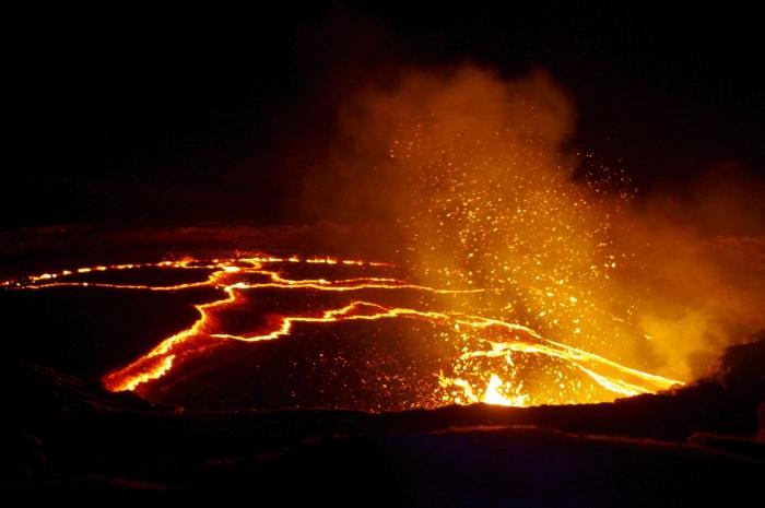 エルタアレ火山 (2)