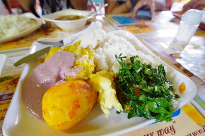 ウガンダのレストラン (1)