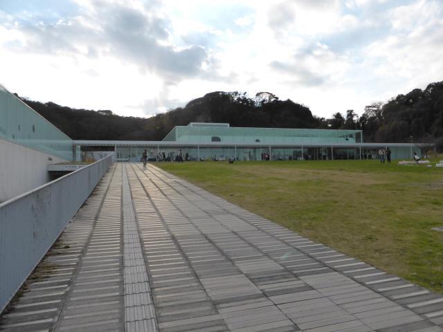 横須賀美術館a
