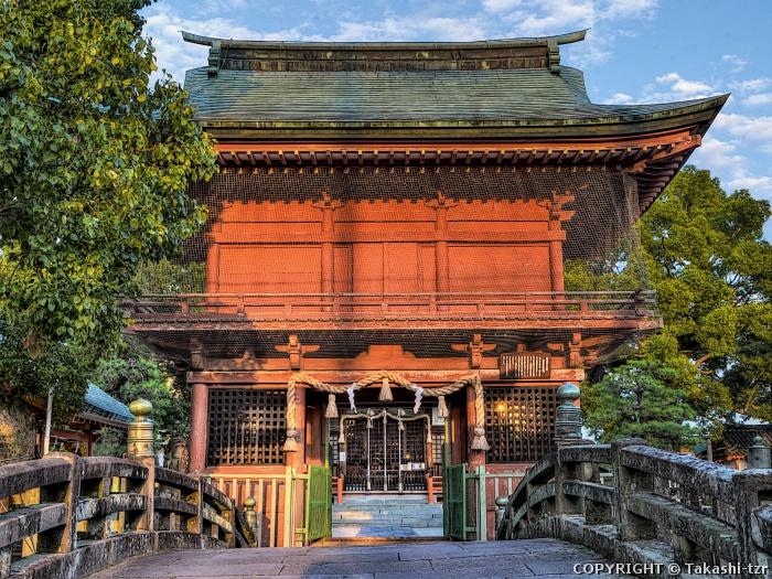 与賀神社楼門