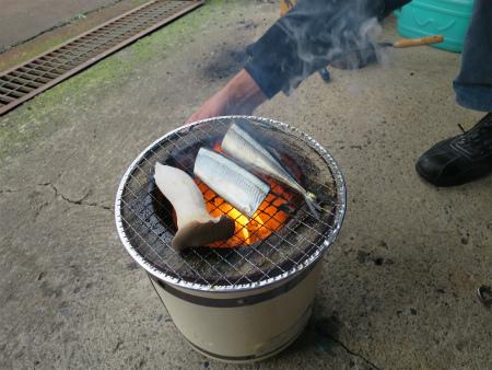 秋刀魚焼くべし