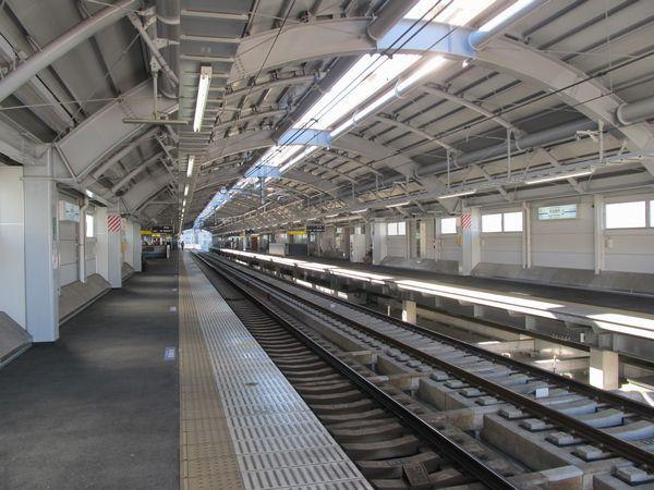 完成した京成曳舟駅高架ホーム