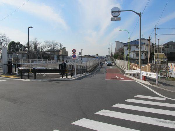 世田谷代田駅西口前に完成した代田富士見橋。