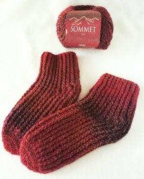 引き上げ編みの靴下(縦)