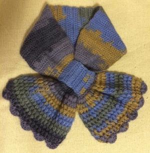 変わり玉編みのミニマフラー