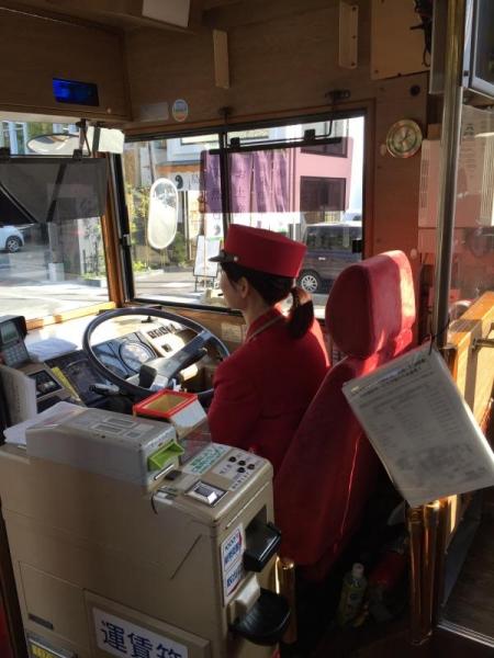 「ぐるっと松江レイクライン」の美人運転手(顔が映っていなくて残念)