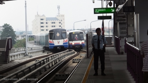 BTSシーロム線(タラートプルー駅)