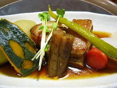 季節野菜と豚角煮1