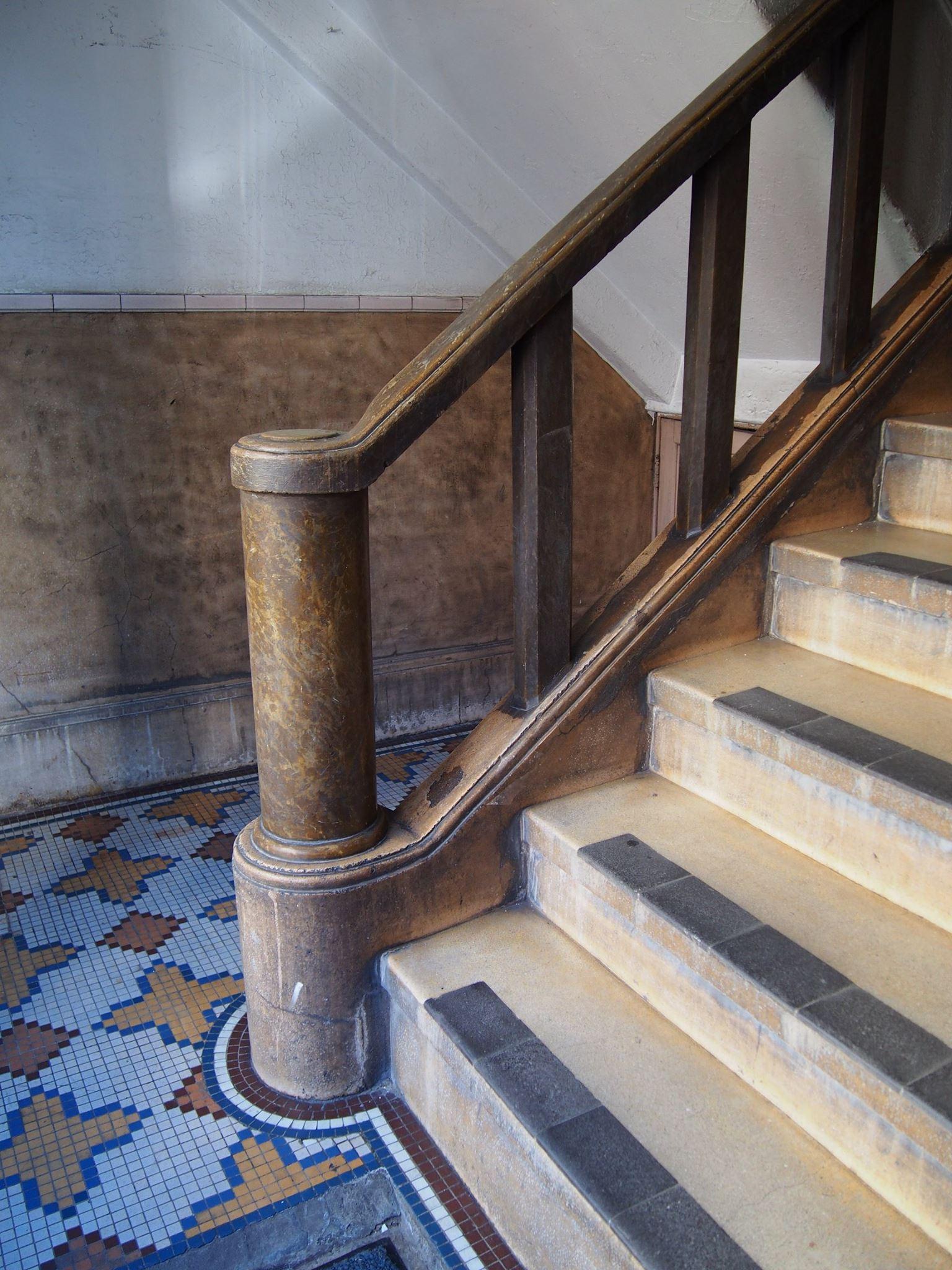 墨田区緑 松山ビル 階段