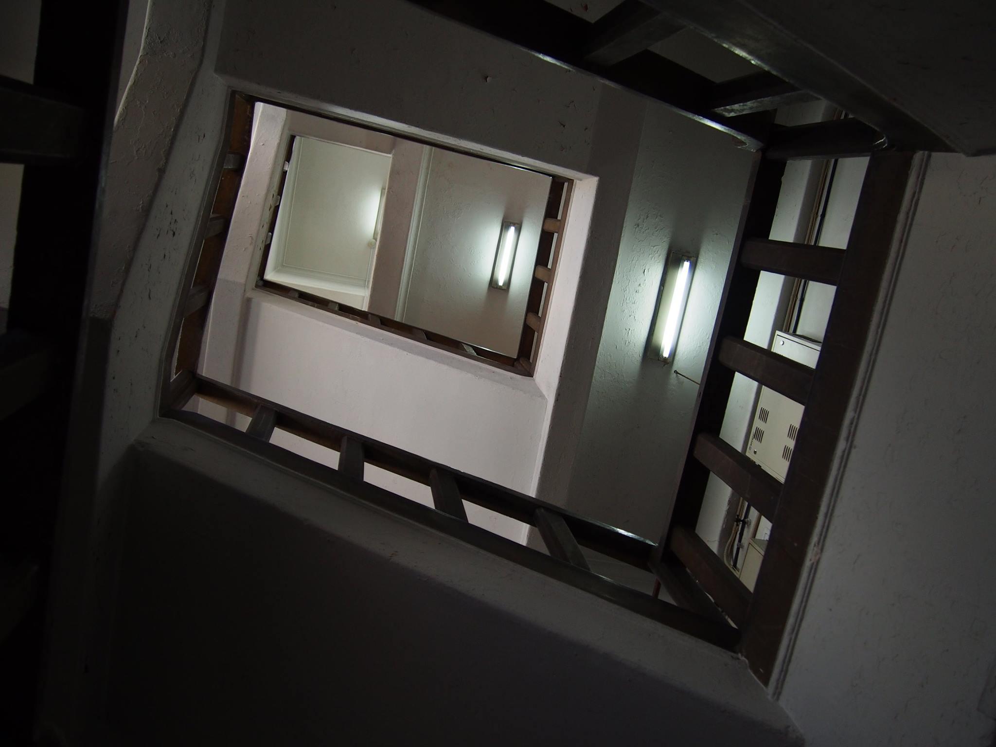墨田区緑 松山ビル 階上を望む