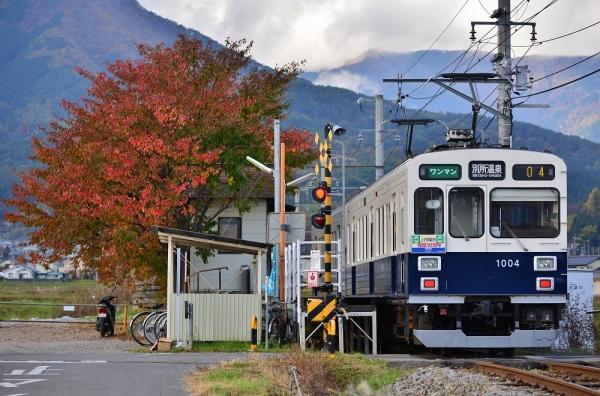 2015年10月28日 上田電鉄別所線 舞田 1000系1004編成