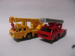 日産ディーゼルクレーン車&消防車