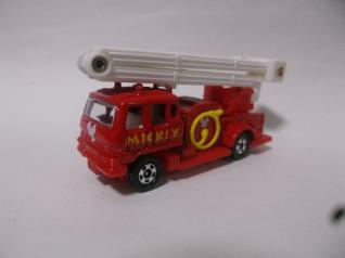 いすゞシュノーケル消防車