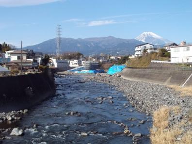富士山を新年2016年正月1月2日の黄瀬川からのデジカメ写真