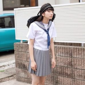 高校の部活を終えて帰宅する小松奈菜さん
