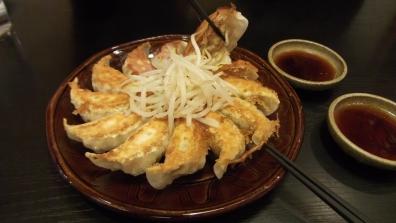 五味八珍の2名様コース¥1780税別で最初に来た浜松餃子