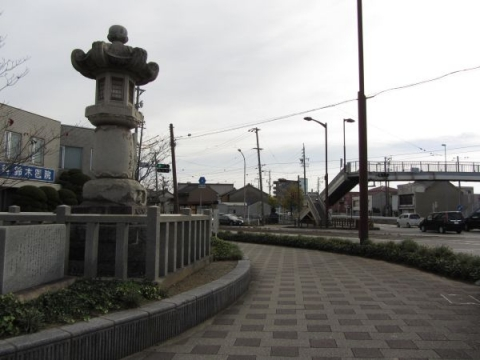 新町の大燈籠