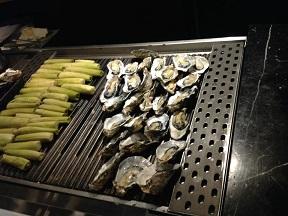 マコモダケと生牡蠣