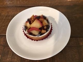 りんごとクルミ、キャラメルのタルト