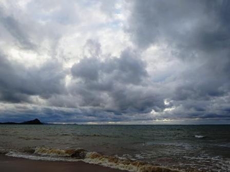 曇天の兼城浜 DSC00884