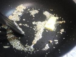にんにくとバター