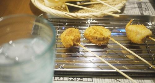 「ワカコ酒」(新久千映)の豚ガリの串カツ