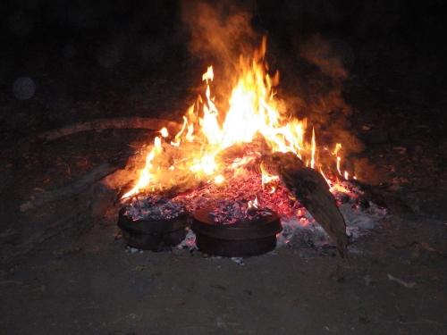 20150821_180208_OldLauraHomesteadCampingArea_Campfire.jpg