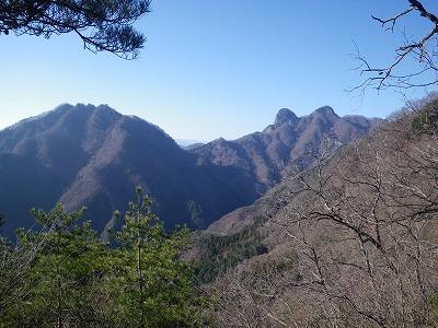 鹿岳と四ッ又山