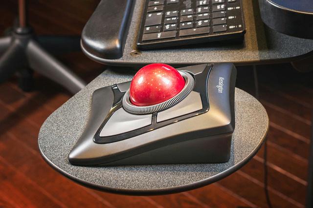 Expert_Mouse_Wireless_01.jpg