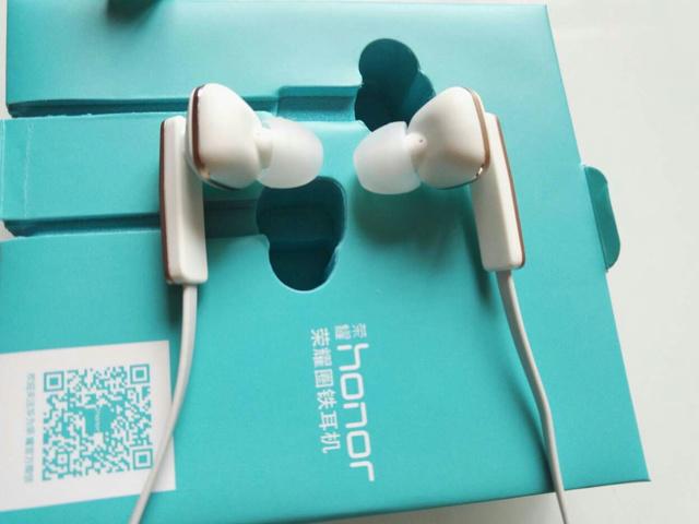 Huawei_AM175_01.jpg