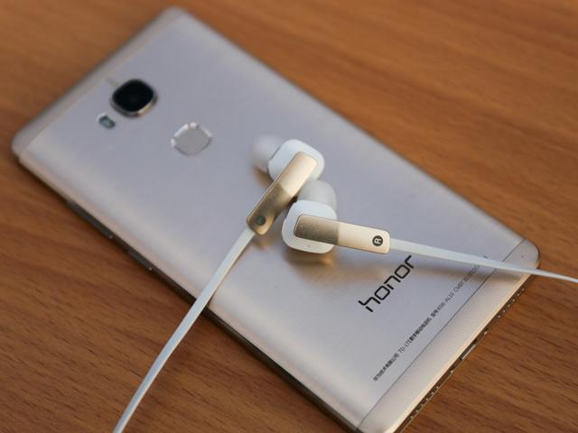 Huawei_AM175_08.jpg