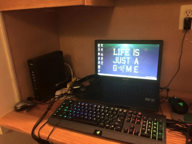 PC-Desk_Razer10_31.jpg