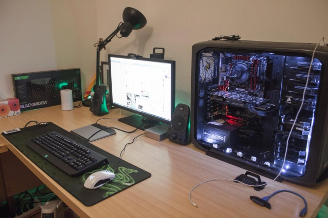 PC-Desk_Razer10_53.jpg