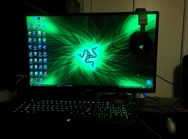 PC-Desk_Razer10_67.jpg