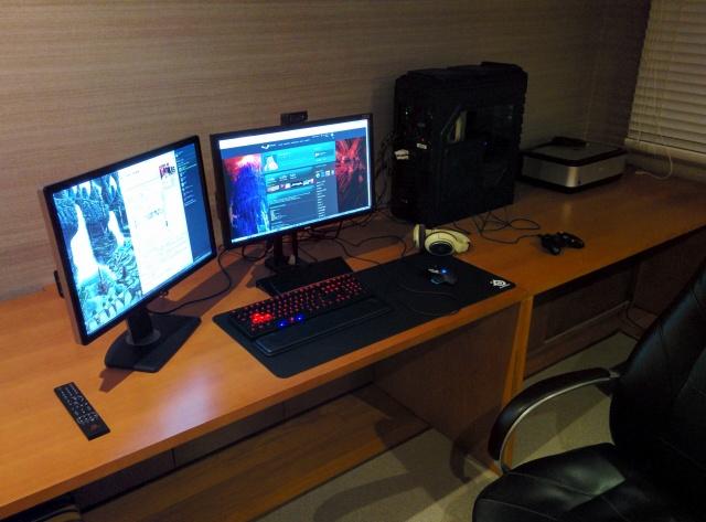 PC_Desk_MultiDisplay60_03.jpg